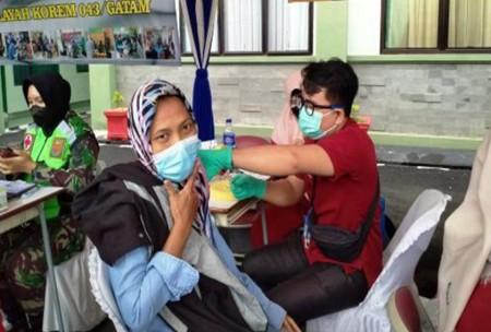 Serbuan Vaksinasi Covid-19 Denpom II/3 Lampung, Antusias Warga Tinggi